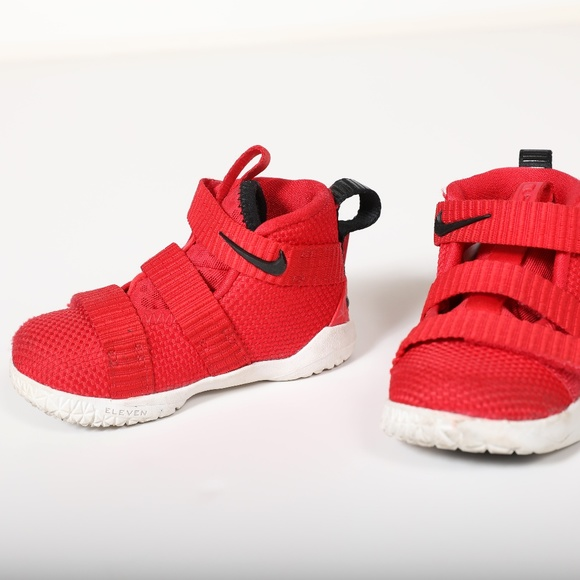 official photos f6434 207d1 Nike LeBron Soldier XI in Red, Toddler Size 5